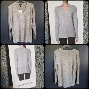 Women's Calvin Klein v-neck knit sweater